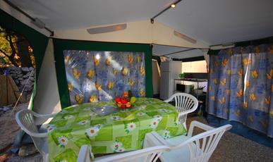 Plně vybavený STAN U MOŘE pro 2-6 osob, AUTOBUSEM! Makarská riviéra, Živogošče, kemp DOLE