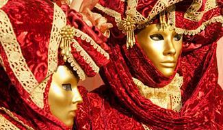 Itálie Benátky karneval 2019 s výlety lodí na ostrovy Murano, Burano First Moment