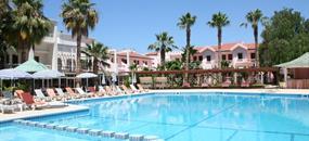 Hotel LA & Resort
