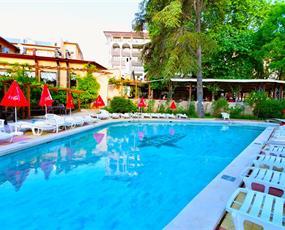 Hotel Estreya