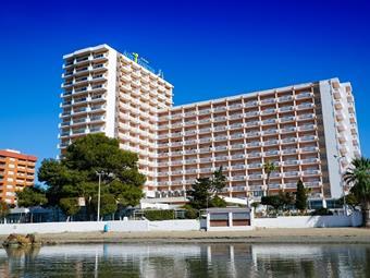Hotel Izán Cavanna