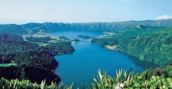 Zelený ostrov Sao Miguel na kole