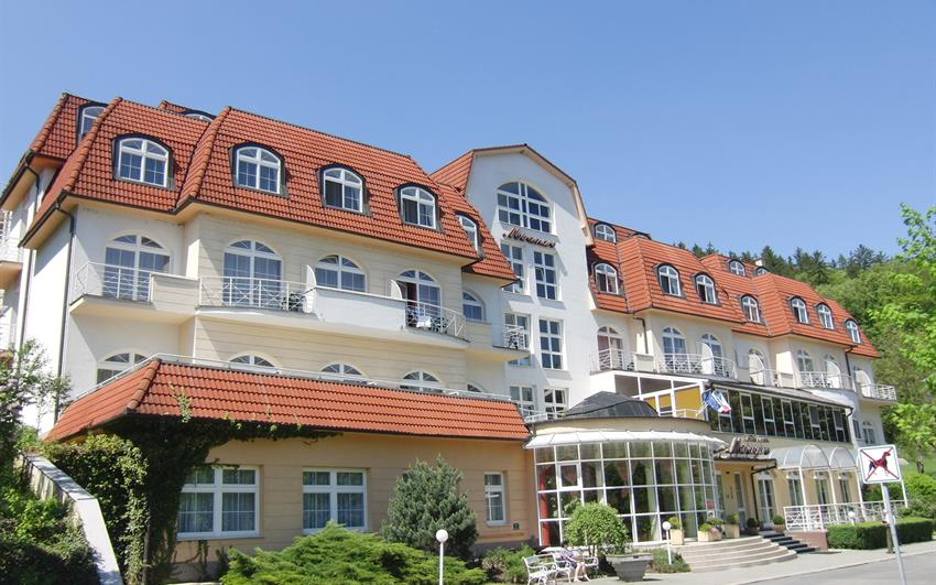 Luhačovice - Hotel Miramare, Senior pobyt, 11 procedur, plná penze
