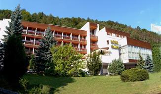 Trenčianské Teplice - Hotel Flóra, Víkendové pobyty 2 nebo 3 noci, prodej 2019