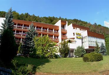 Trenčianské Teplice - Hotel Flóra, Věčně mladý - nejen pro Seniory, 5 nocí