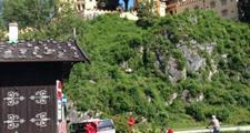 Zámky šíleného krále, Zugspitze a hory v plamenech ***