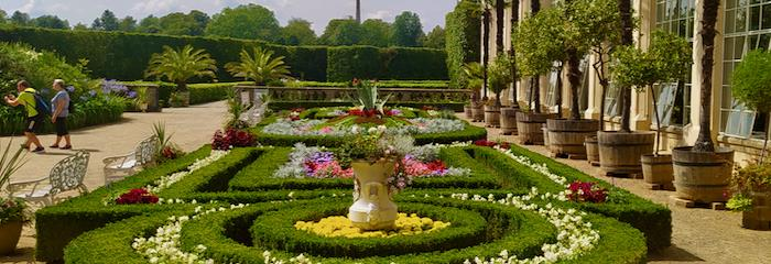 Rozkvětlé zahrady Kroměříže, hrad Buchlov a Velehrad