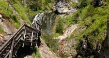 Vodní soutěska v rakouských Alpách