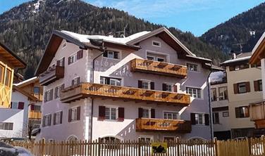 Hotel Nes Crepes