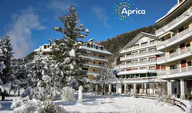 Hotel Urri - 5denní lyžařský balíček se skipasem a dopravou v ceně