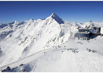 Jednodenní lyžování Sölden (Pražská linka)