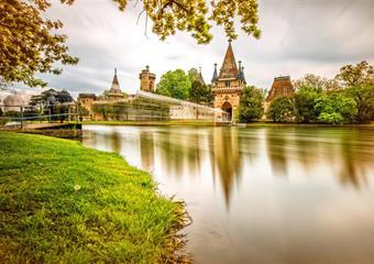 Kouzelný zámek Franzensburg a čokoládovna