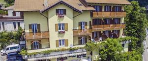 Hotel Aurora Paganella - 5denní lyžařský balíček se skipasem a dopravou v ceně