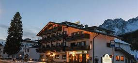 Hotel Comelico - 5denní lyžařský balíček se skipasem a dopravou v ceně