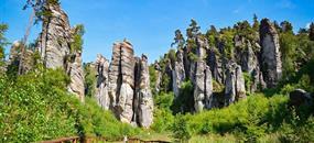 Skalní město, hrad Trosky a Rumcajsův svět