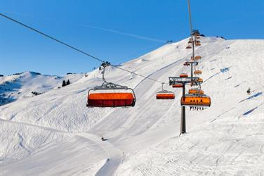 Jednodenní lyžování v Saalbachu
