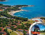 Zkrácená dovolená na Istrii v apartmánech Polynesia s bazénem a dopravou v ceně