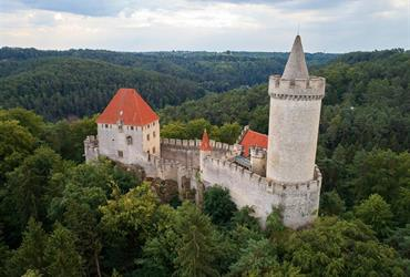 Soutok Labe a Vltavy, hrad Kokořín a skalní město