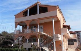 Apartmánový dům Vanja (Biograd na Moru)