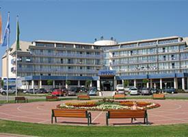 Sárvár - Zvýhodněný wellnessový pobyt 4=3 - Park Inn by Radisson Sárvár Resort Spa