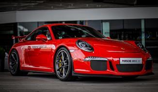 Muzeum Porsche a Mercedes-Benz