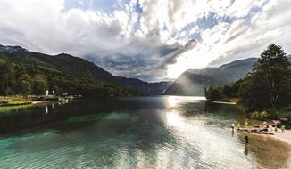 Bohinjské jezero, vrchol Vogel a kaňon Mostnica