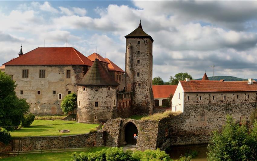 Domažlice a vodní hrad Švihov