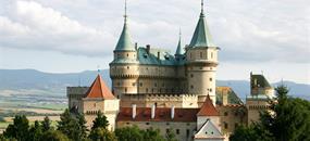 Zámek Bojnice, tajemný hrad v Karpatech a degustace vína
