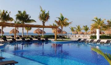Hotel BlueBay Grand Esmeralda