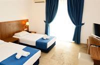 Hotel Club Blue White