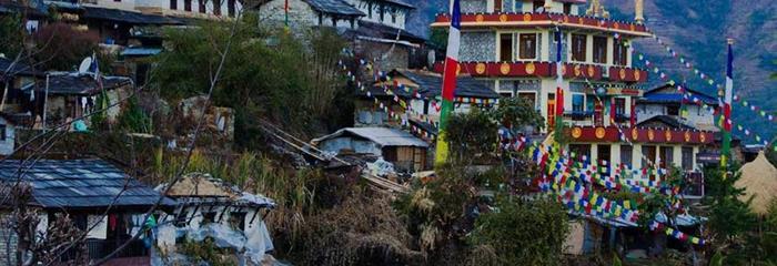 Na úpatí Himalájí (de luxe)