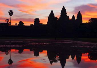 Kambodža - daleko od vyšlapaných stezek