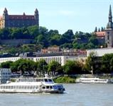Bratislava S Plavbou Lodí Na Děvín