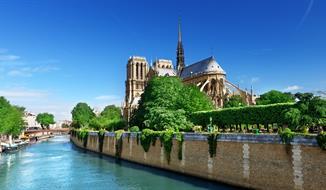 Magická Paříž s návštěvou Eiffelovy věže,ubytováním v hotelu / se snídaní a vjezdu do Paříže