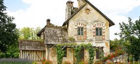 Paříž se zastávkou ve Versailles a Marii Antoinettou v hotelu / se snídaní a vjezdu do Paříže