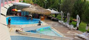 Hotel Flamingo autobusem (8 denní pobyty)