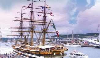 Paříž a Rouen v době námořního festivalu L'Armada konaného jednou za 5 let!