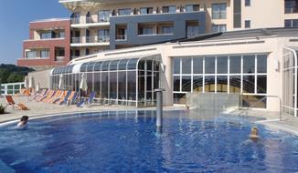 Ptuj, útulné bungalovy Terme Ptuj u termálních bazénů