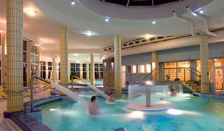 Dunajská Streda, Hotel Thermalpark propojený s rekreačním centrem
