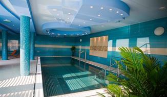 Velký Meder, Hotel Orchidea se vstupem do termálního koupaliště