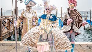 5denní karneval v Benátkách s návštěvou Verony, Padovy a Sirmione