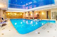Kudowa-Zdrój, elegantní hotel Adam SPA v polském lázeňském městě u hranic s wellness