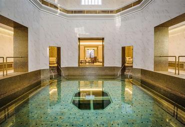 Turčianské Teplice, luxusní hotel Royal Palace s dlouholetou tradicí