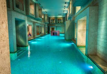 Rimske Toplice, hotel Zdraviliški dvor s římskými lázněmi