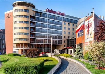 Krakow, Qubus Hotel Krakow u řeky Visly