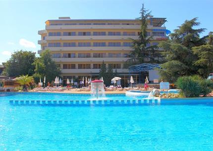 PRIMA Hotel Continental (11 denní pobyty) vlastní doprava se snídaní