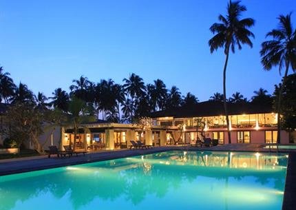 Hotel Avani Kalutara Resort and Spa