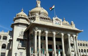 Historická Karnátaka a prosluněná Goa