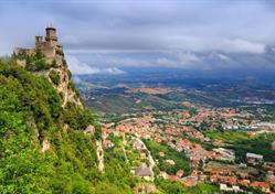 Koupání v Rimini a historické San Marino