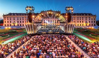 Vídeň s letním koncertem filharmoniků v Schönbrunnu - odjezd Praha a Jihlava